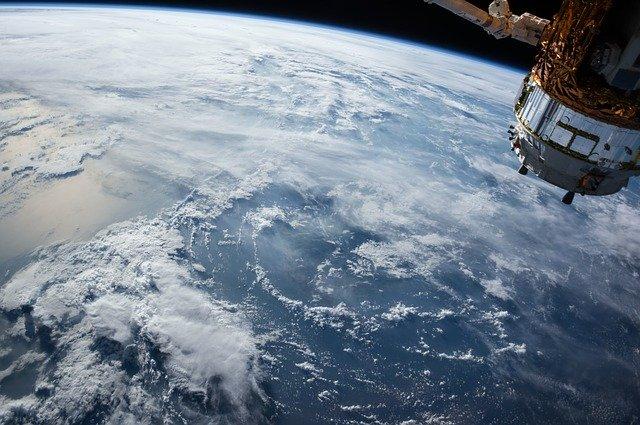 satelitní pohled na Zemi